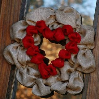 Top 10 Tuesday: Valentine's Day Wreaths