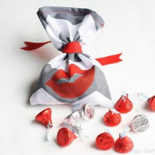 Kiss Me! Handmade Valentine's Day Favors