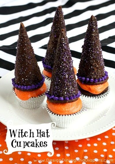 Easy Halloween Treat Idea! Make these Witch Hat Cupcakes using chocolate cupcake sand chocolate dipped ice cream cones! Perfect for your next Halloween party.