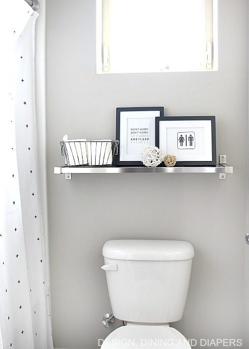 Cute and funny black and white free bathroom printables!