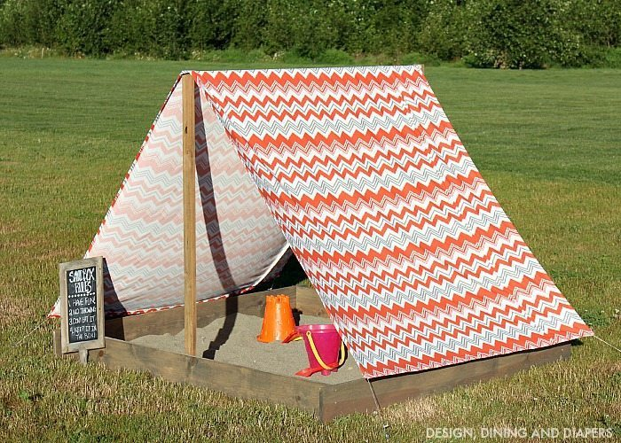 Sandbox with Tent - Great summer DIY Project to keep the kids entertained and protect them from the sun!