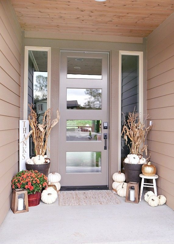Rustic Metallic Fall Porch | Outdoor Fall Decorating Ideas To Kick Off The Holiday Season