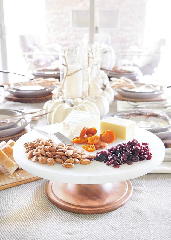 simply-elegant-fall-table-setting-with-marble-cake-stand