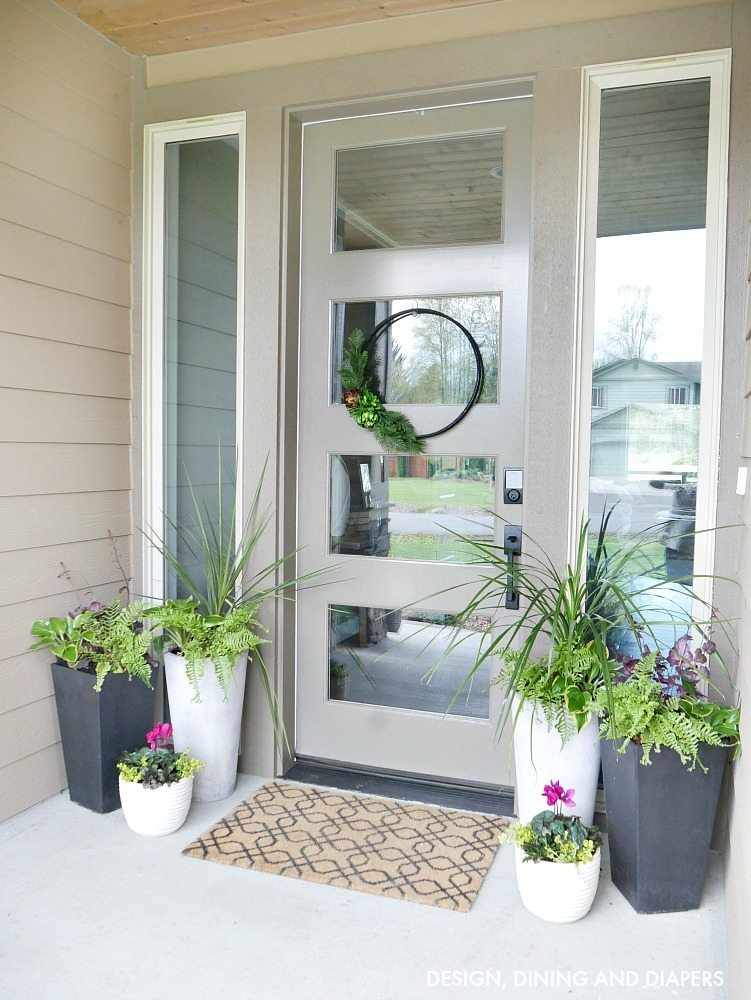 Love this modern take on front porch decor for spring!