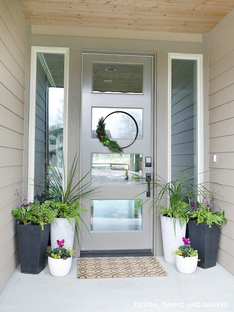Front Porch Planter Ideas for spring!