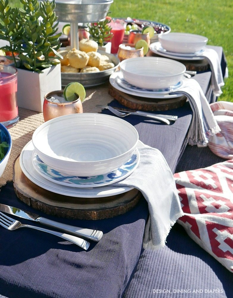 Inexpensive outdoor dishes and place settings for easy summer entertaining ideas!