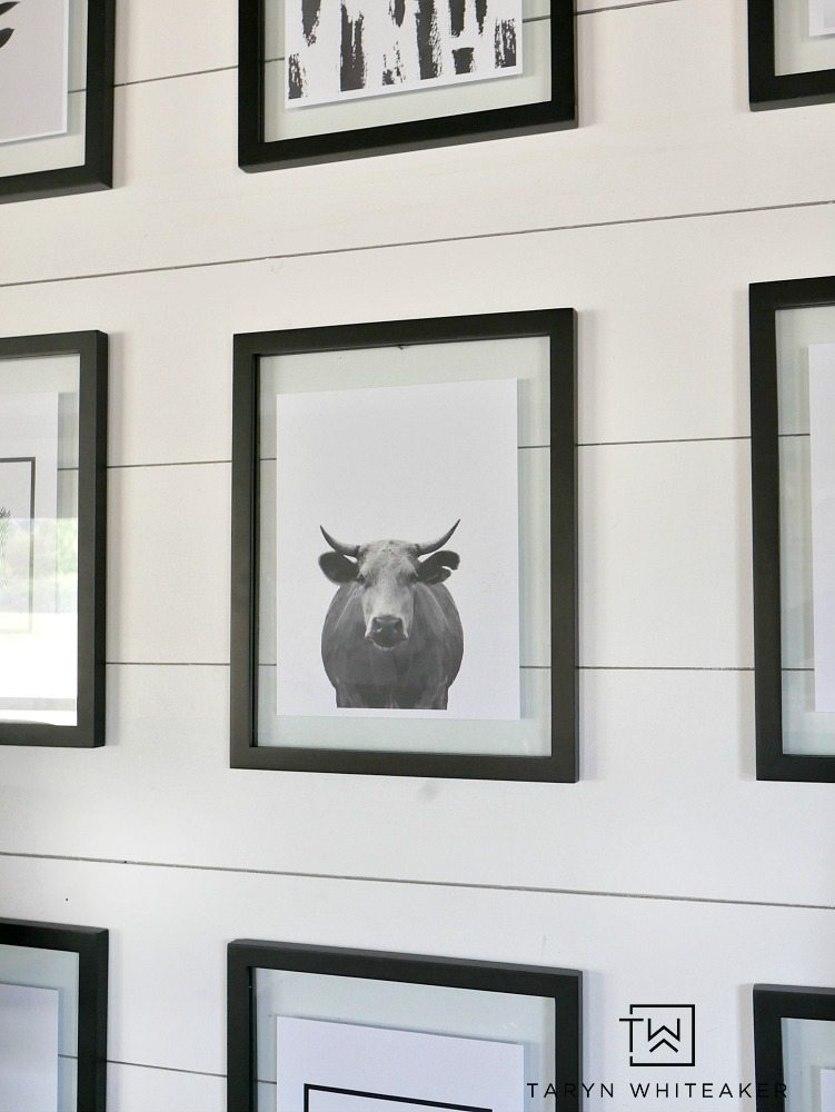 Easily recreate this rustic black and white gallery wall for your own home! Links to all the downloadable prints are in the post!