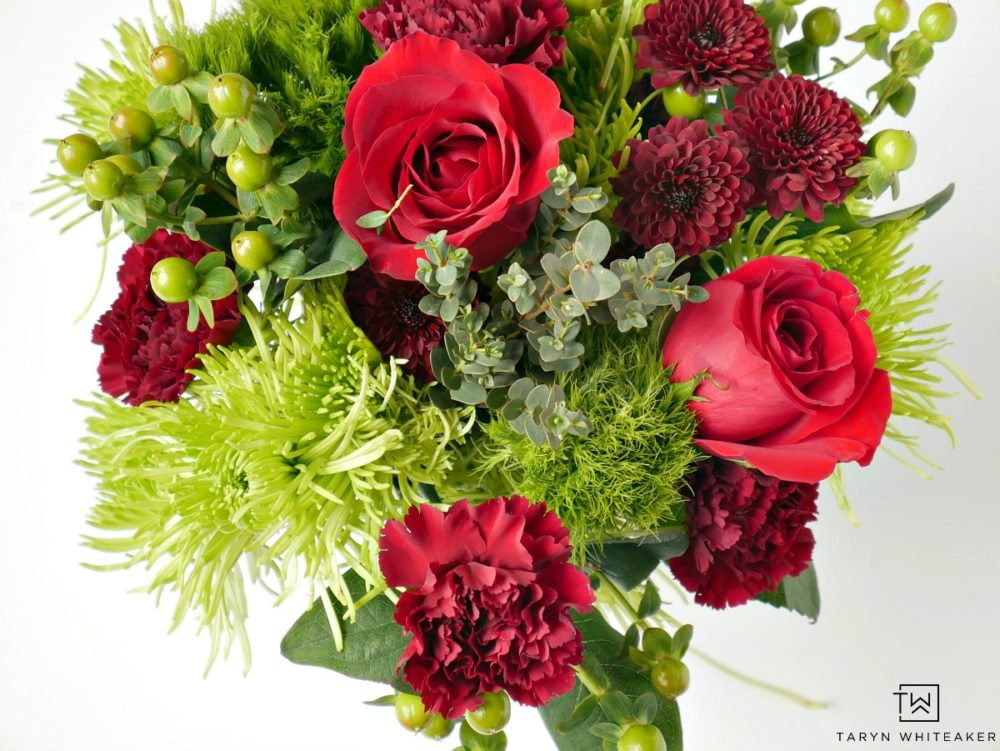 Grab a $10 bouquet of flowers at the grocery store and create your own stunning floral piece. Here are a few Tips for Arranging Grocery Store Flowers!