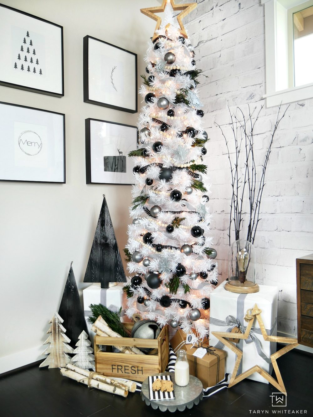 modern black white. Taryn Creates This Modern Black And White Christmas Tree Display In Her Home Using A Tall