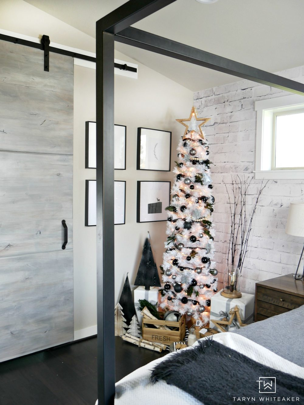 A very unique take on Christmas with this modern black and white Christmas tree!