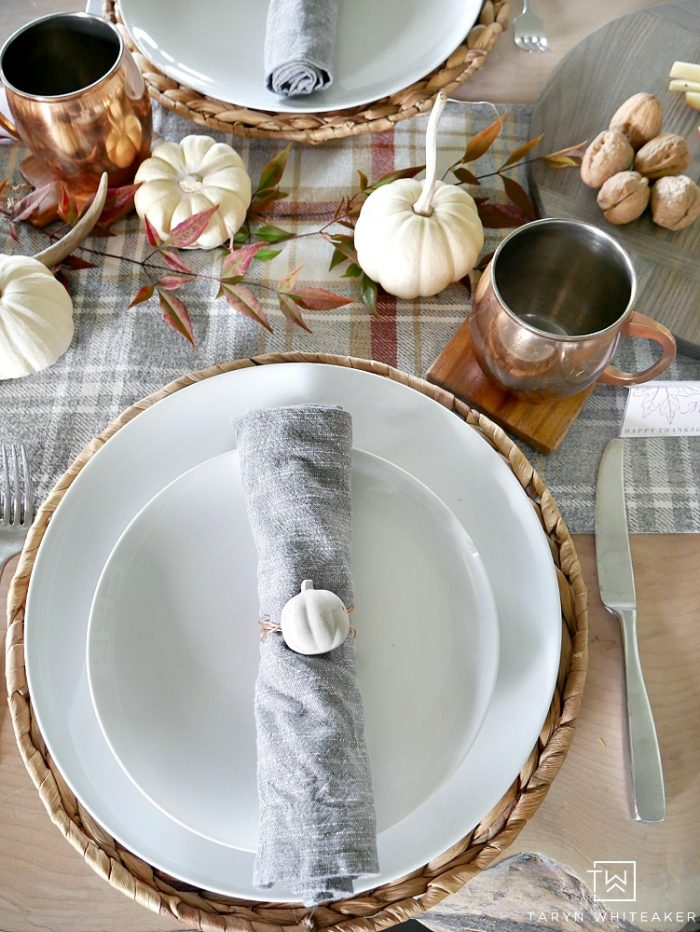 Easily create an inviting table for your friends and family to dine at with this Nature Inspired Thanksgiving Table With Copper Accents!