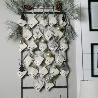 DIY Advent Calendar Display