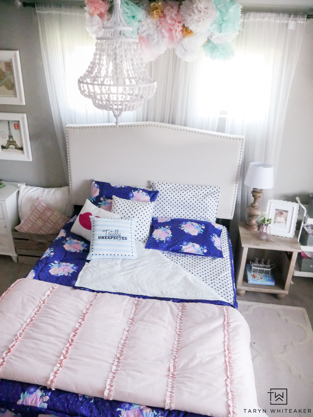 Beddy's Bedding: Cute and fun little girls room with new zipper Beddys Bedding! Just zip on and off for easy use! I love this navy and pink floral bedding set!