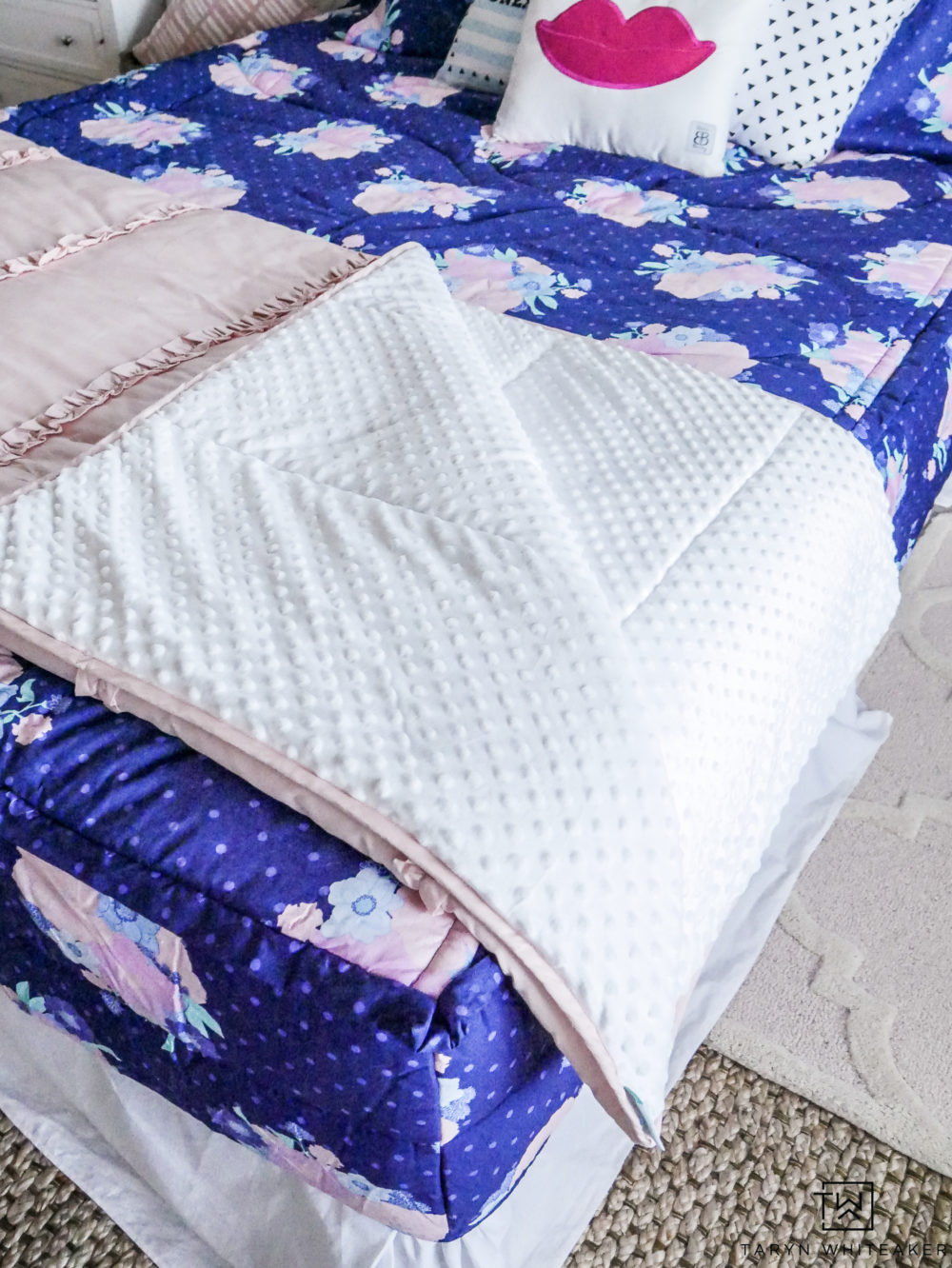 Cute and fun little girls room with new zipper Beddys Bedding! Love this blush minky blanket!