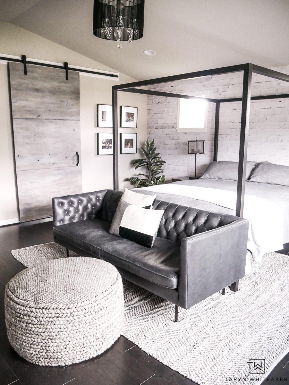 Master Bedroom Seating Area - Taryn Whiteaker