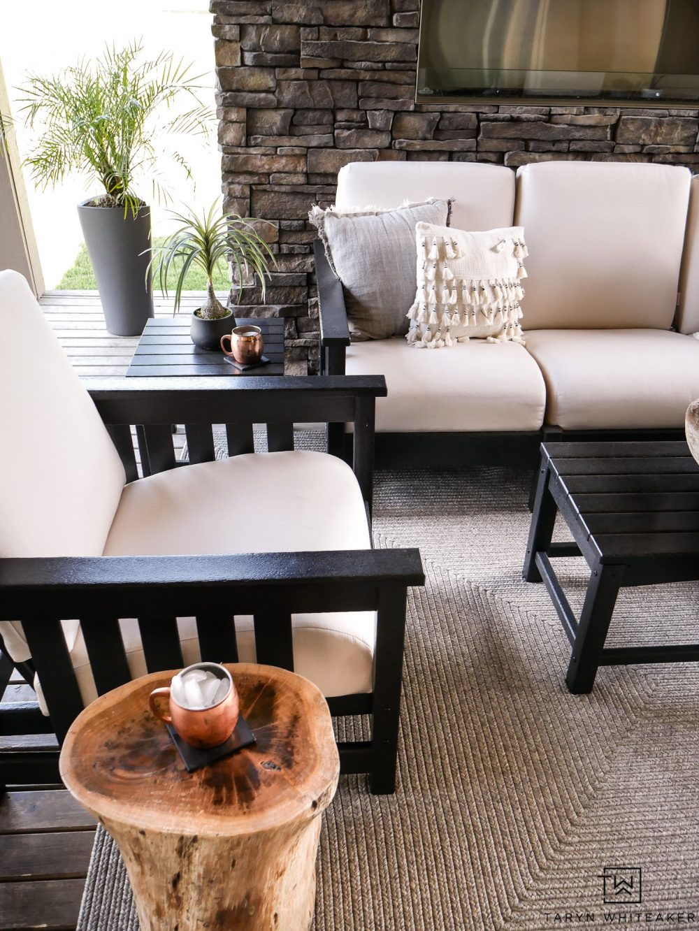 Create a cozy outdoor living space by picking the right furniture for your space! Love this black and white set!