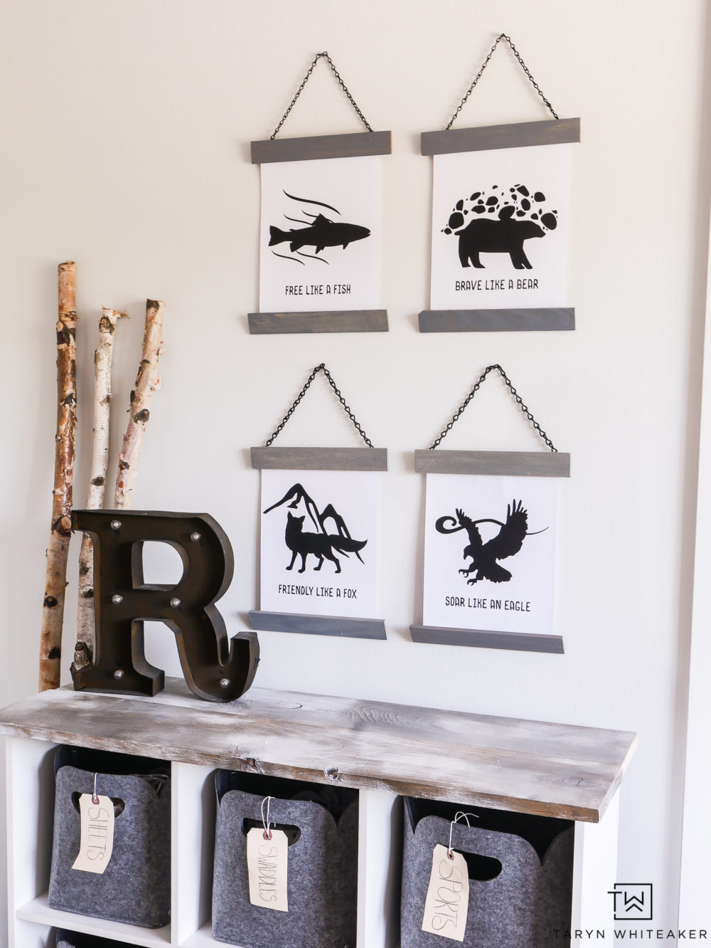 FREE Wilderness prints for your kid's room! Love these animal prints, great for a mountain inspired bedroom.