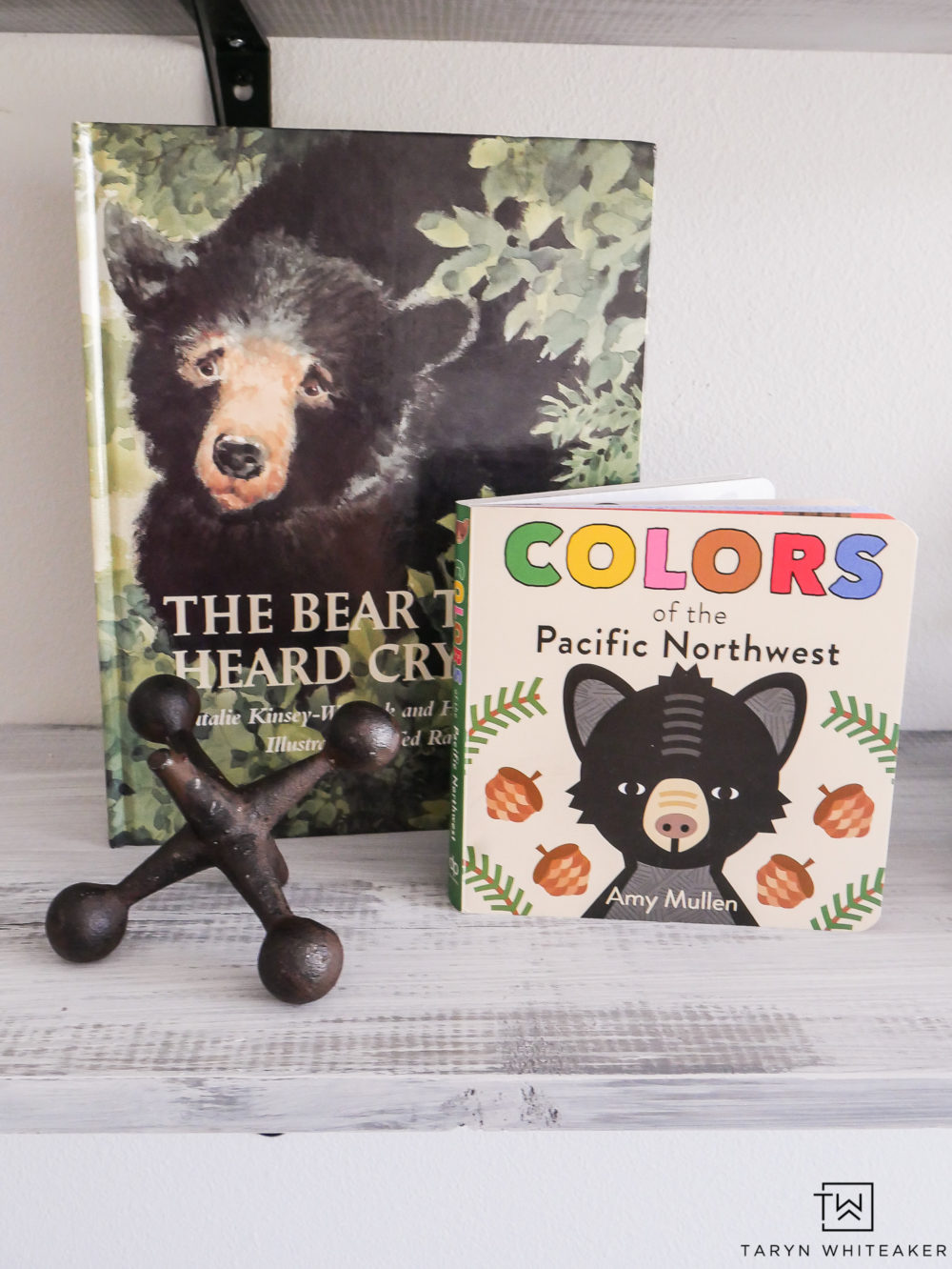 Black Bear accents in boys room