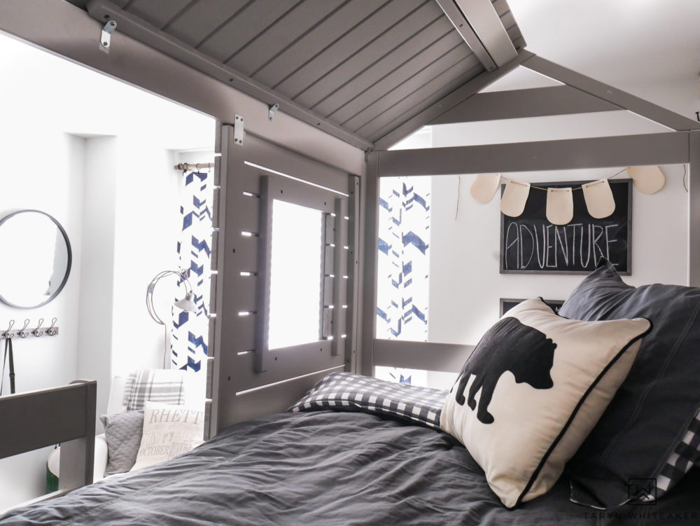 This treehouse bunkbed set is absolutely adorable. I love the gray wood mixed with charcoal bedding and bear accent pillow.