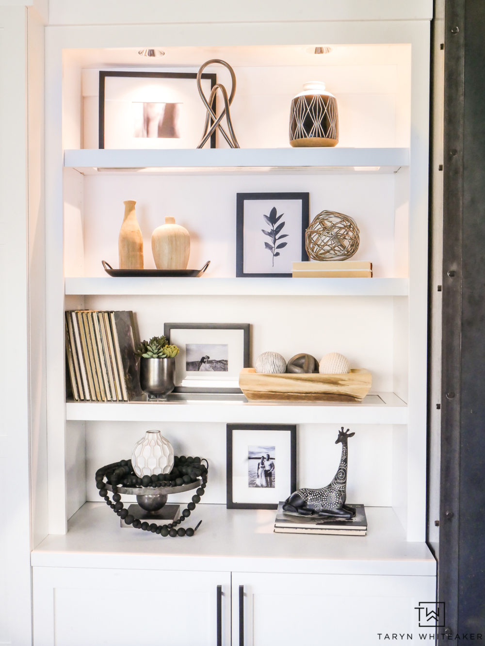 Tips for great shelf styling. it's all about balance!