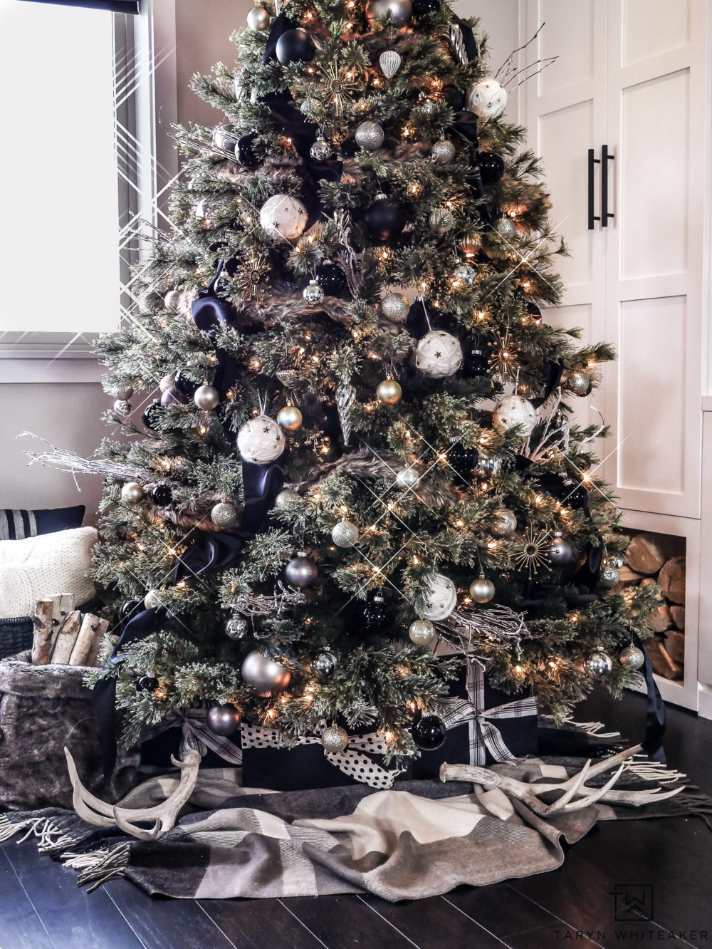 Chic and luxurious black and white Christmas tree