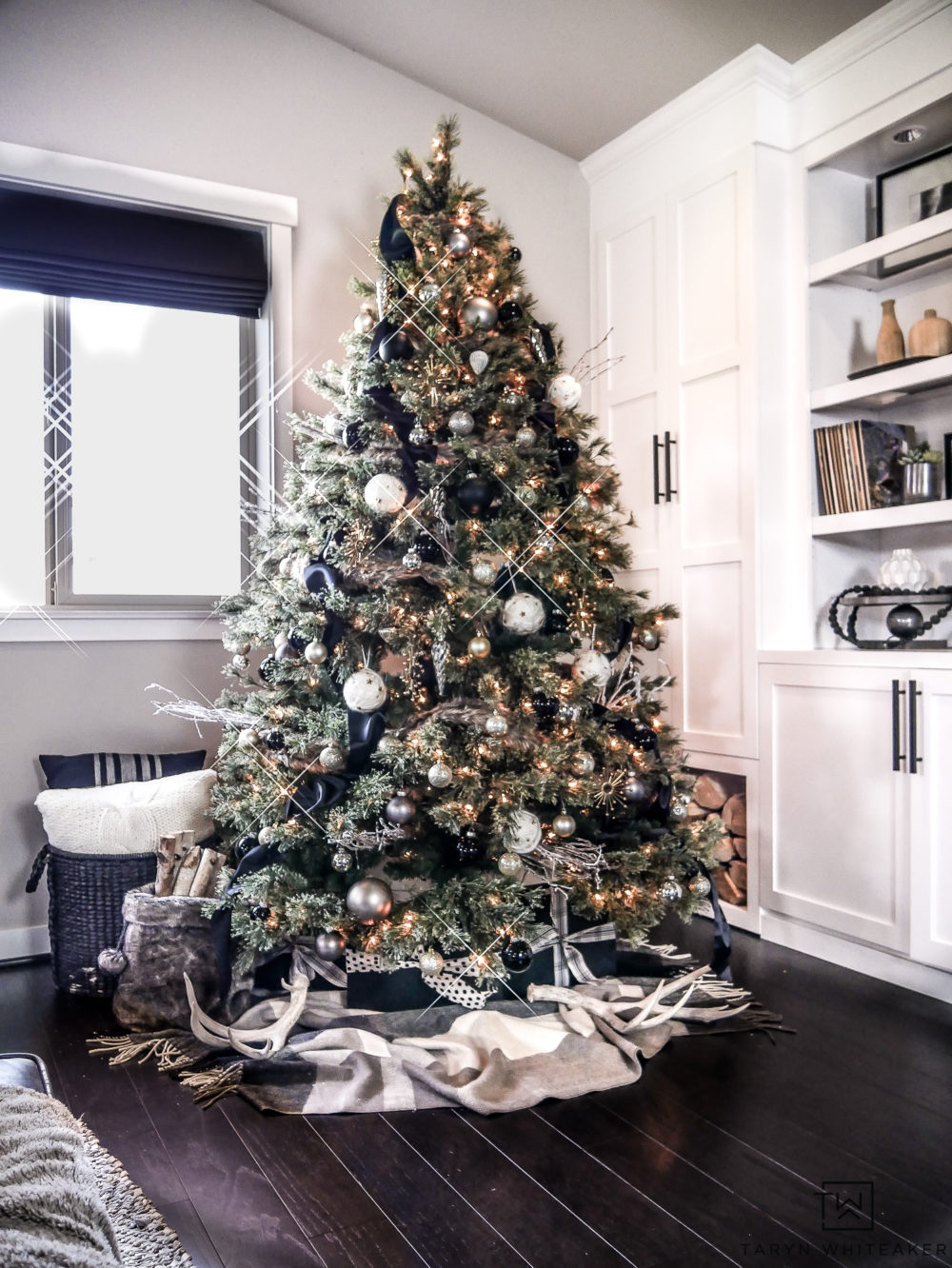 Rustic modern christmas tree taryn whiteaker - Modern christmas tree ideas ...