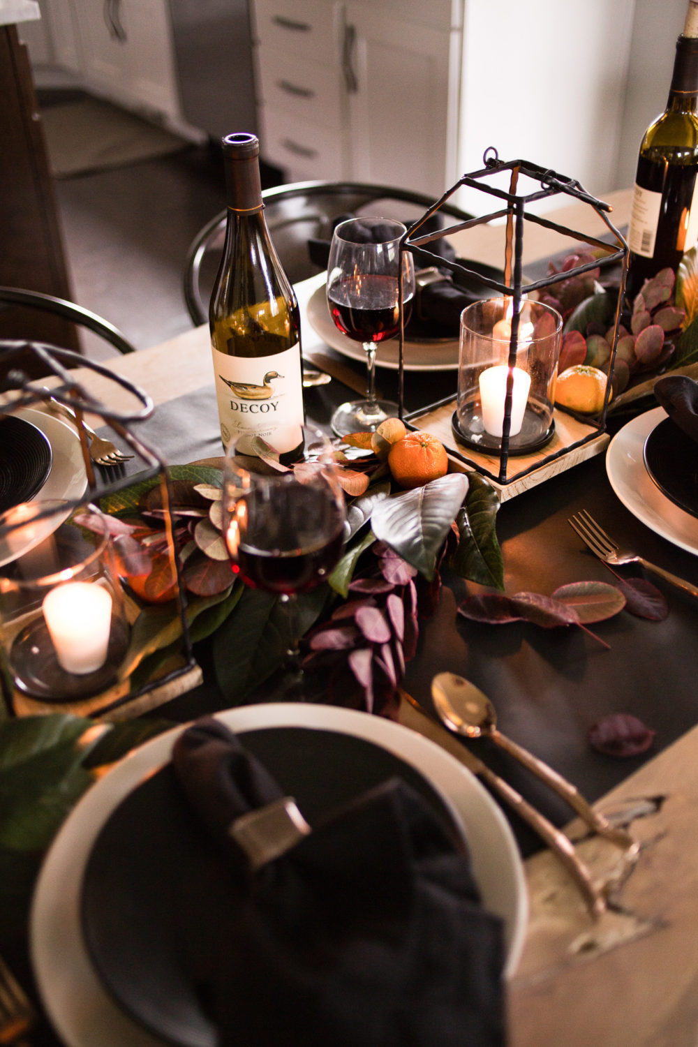 Classic Thanksgiving Table Decor with earth tones and natural centerpiece.