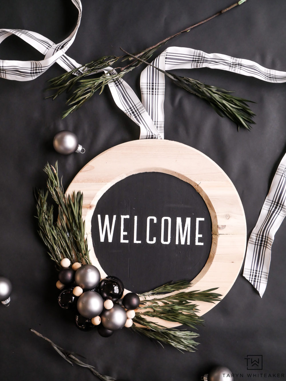 Diy Plate Charger Christmas Wreath Taryn Whiteaker