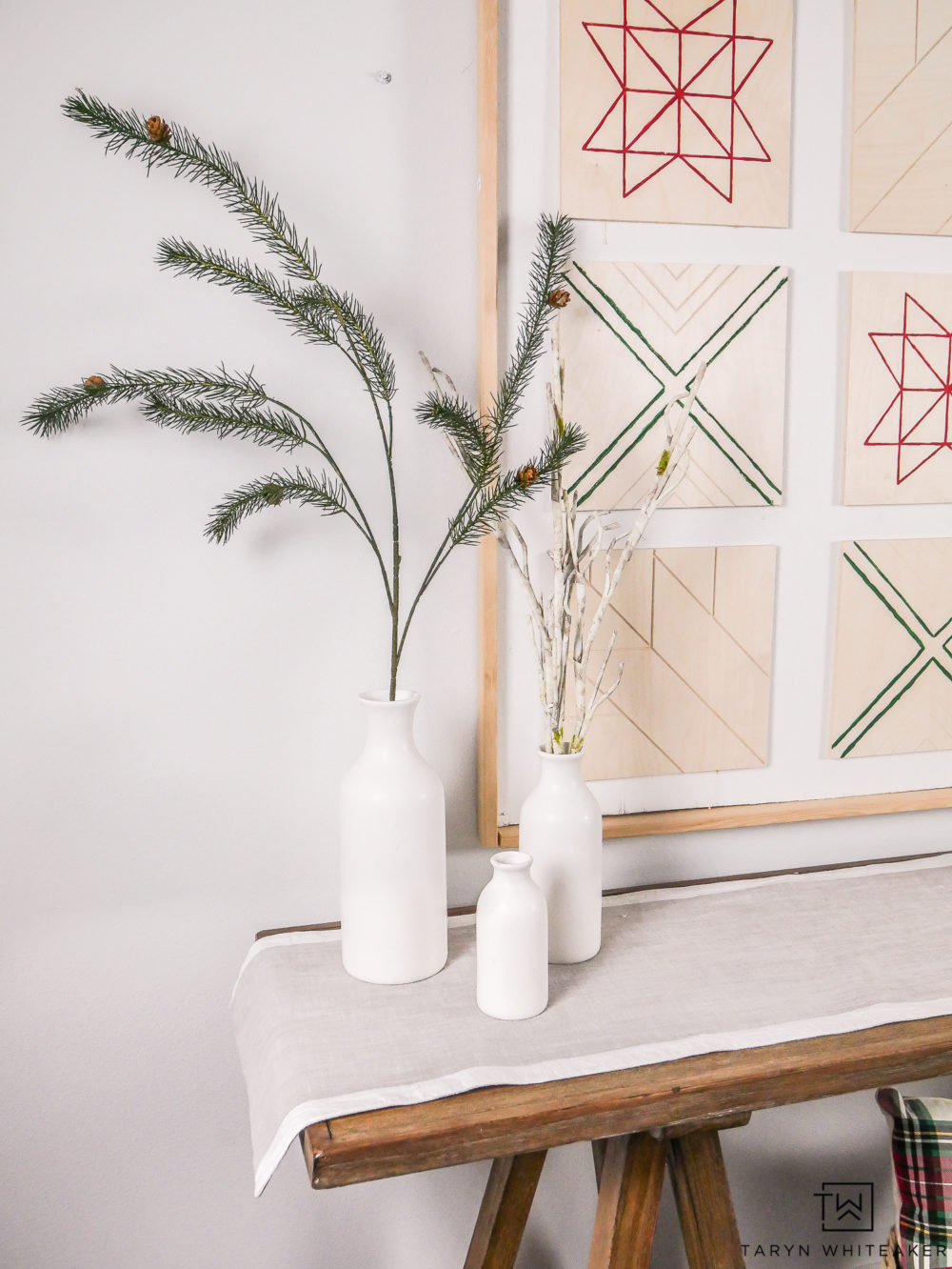 Such a pretty minimalist Christmas Decor Display