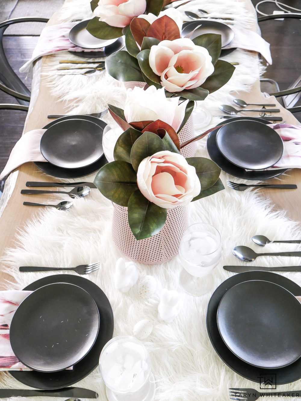 Elegant and dramatic black and pink table decorations. Perfect for a spring or summer tablescape.