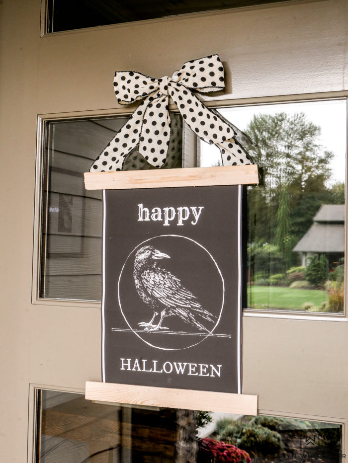 Adorable Halloween Door Sign available for FREE Download! Head to the blog and grab one for your door or home!