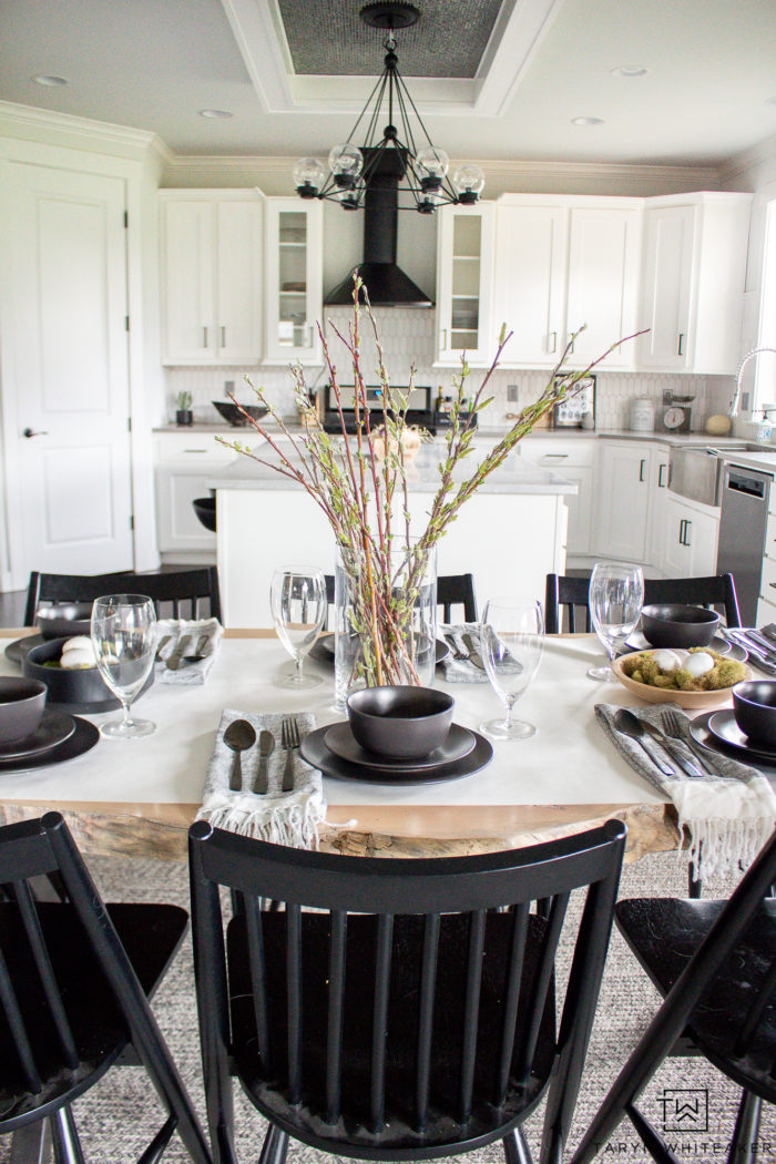 Create this Black and White Minimalistic Easter Table using inexpensive decor and materials you probably have!