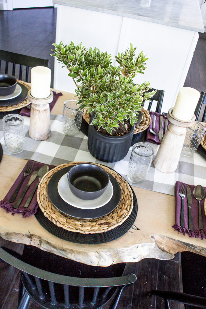 Create a casual yet welcoming summer tablescape with this Organic Modern Summer Table Decor. From mix and match dinnerware and fresh greens.