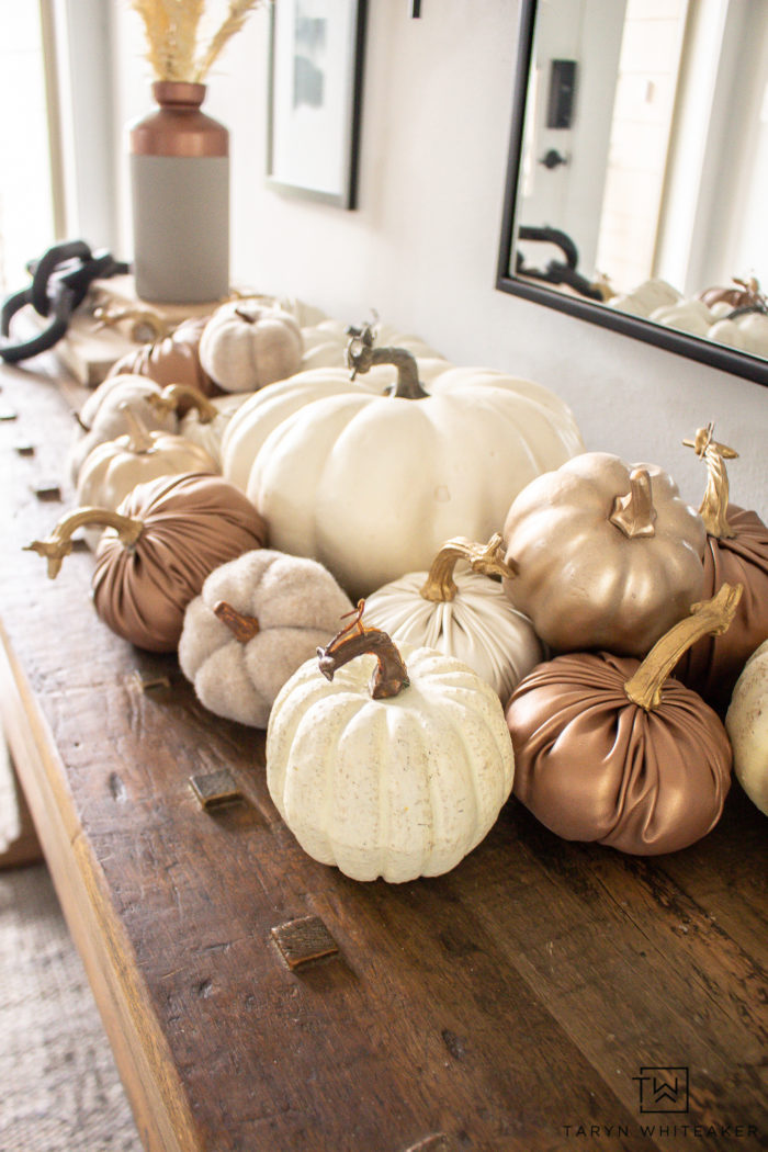 Beautiful neutral pumpkin display for your fall decor!