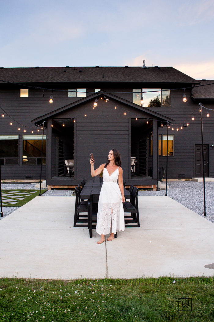 Learn how to update your home with smart home lighting! We are LOVING the outdoor smart home plug that turns out outdoor lights on and off!