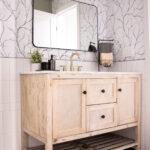 Black and White Bathroom Vanity Space